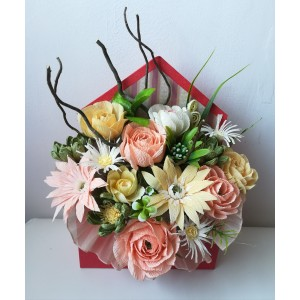 Buchet de flori in plic
