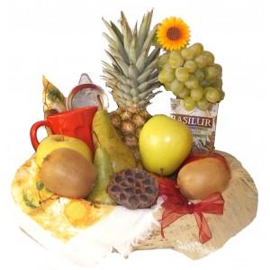 Cos cu fructe si ceai