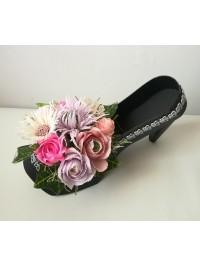 Pantof negru inflorit