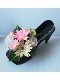 Pantof negru cu flori