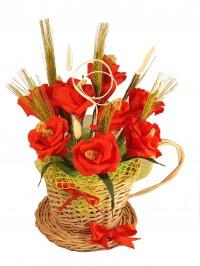 Floricele rosii in ceasca impletita